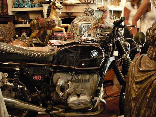 BMW v antikvariátu